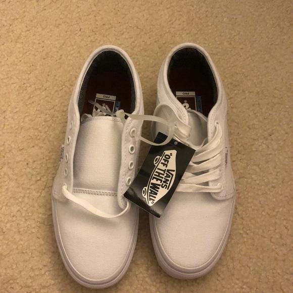 8e614eda6ea8 NEW White Vans